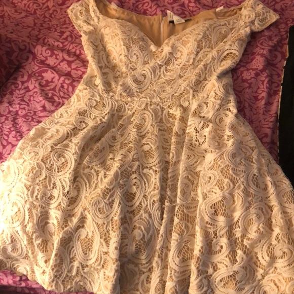 B Darlin Dresses & Skirts - Elegant dress